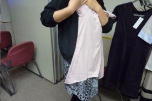 汗じみ防止V首Tシャツ