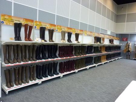 履き比べできる靴はすごい数