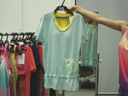 bspixのブラトップ付きTシャツ 正面